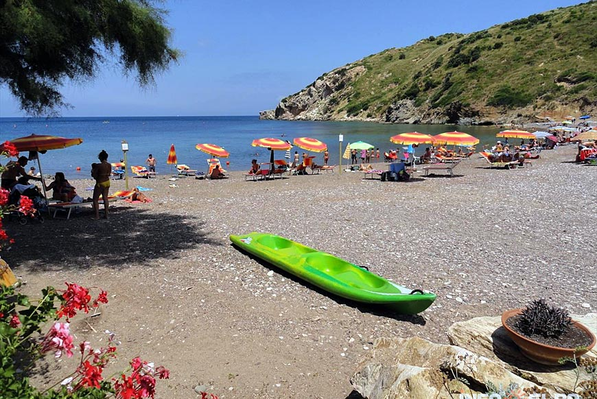 Nisportino Beach